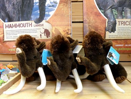 Des mammouths laineux en peluche