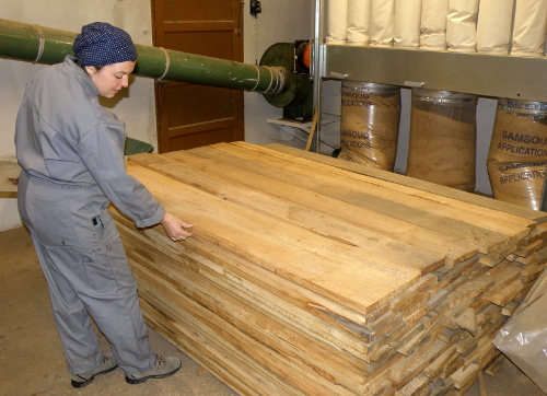 Des planches pour la fabrication des jouets