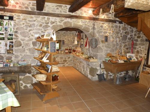L'espace de vente de la Maison de la Châtaigne