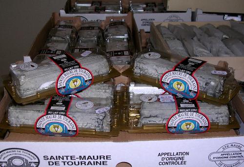 Des Sainte-Maure de Touraine AOP emballés